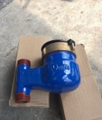 Đồng hồ nước lạnh lắp đứng bằng gang nối ren Komax